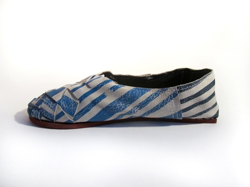 Soul of Africa, Clarks' brother, asked us to come up with shoes for their collection. After a study to Ethiopian tribes I decided to use the stripes as an element to make shoes with.