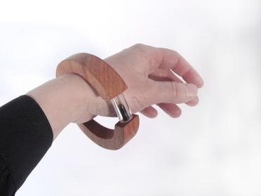 The last drop of oil in a bracelet.